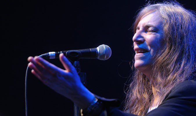Patti-Smith-and-her-band-08