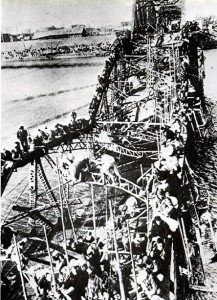 Pulitzer-1951-Flight-of-Refugees-Across-Wrecked-Bridge-in-Korea