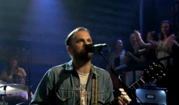 kings-of-leon-fallon