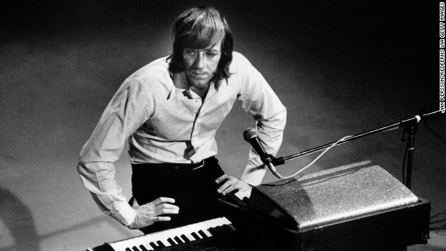 130520174627-02-ray-manzarek-story-top