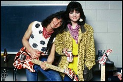 EVH-and-V-VH-aww-so-cute-eddie-van-halen-23653132-500-337