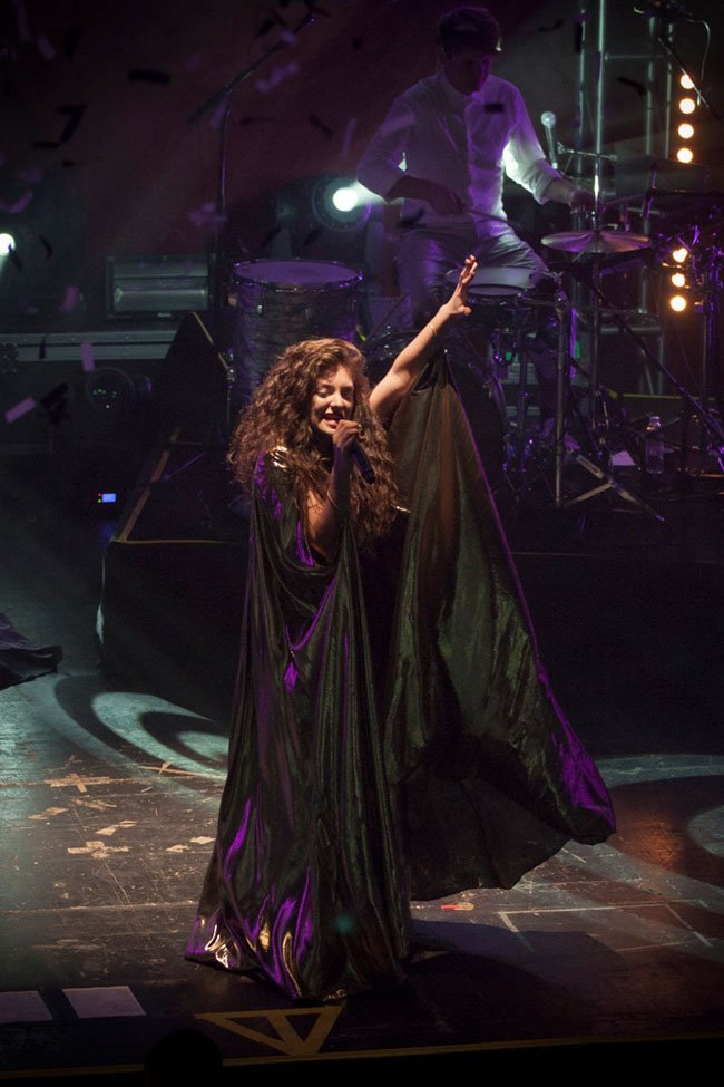 Lorde-Auditorio-BlackBerry-by-QueridoPin-(13-of-14)
