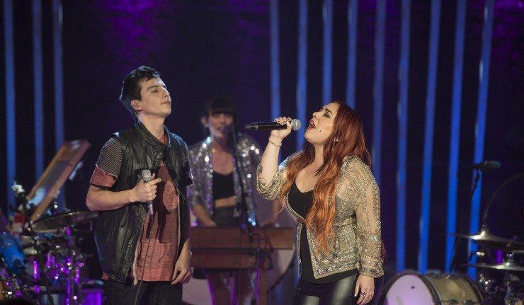 Kinky-MTV-Unplugged-con-Carla-Morrison