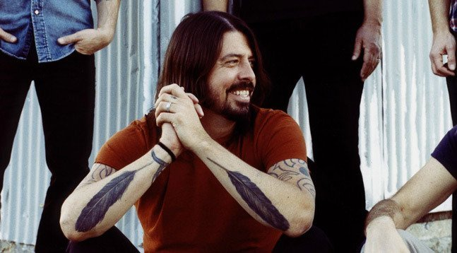 dave-grohl-feather-tattoo